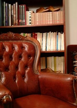 Glorious Peleys Castle Hotel Library Detail